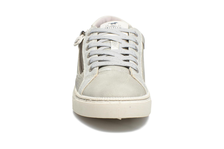 Baskets Mustang shoes Vis Argent vue portées chaussures