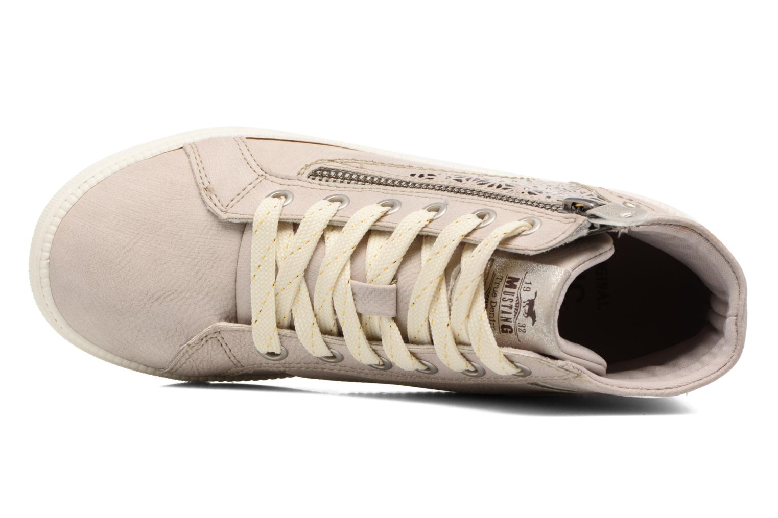 Trainers Mustang shoes Lira Beige view from the left