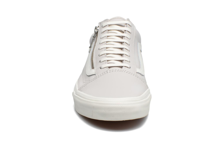 Baskets Vans Old Skool Zip M Gris vue portées chaussures
