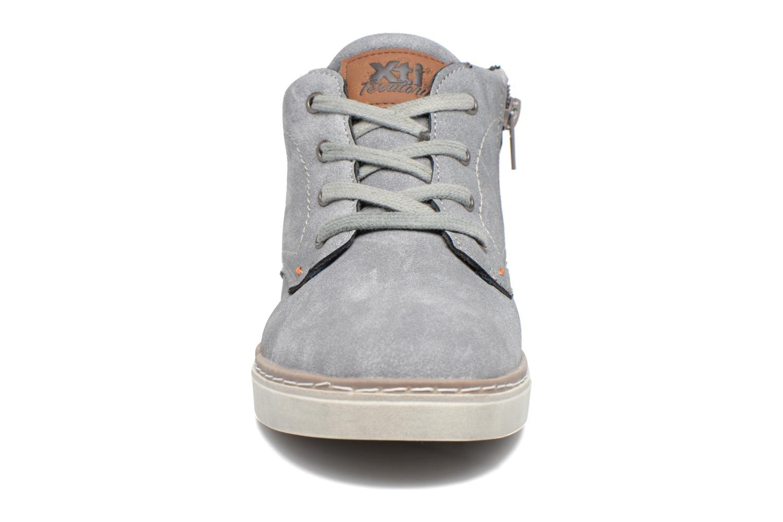 Baskets Xti Blues 53937 Gris vue portées chaussures