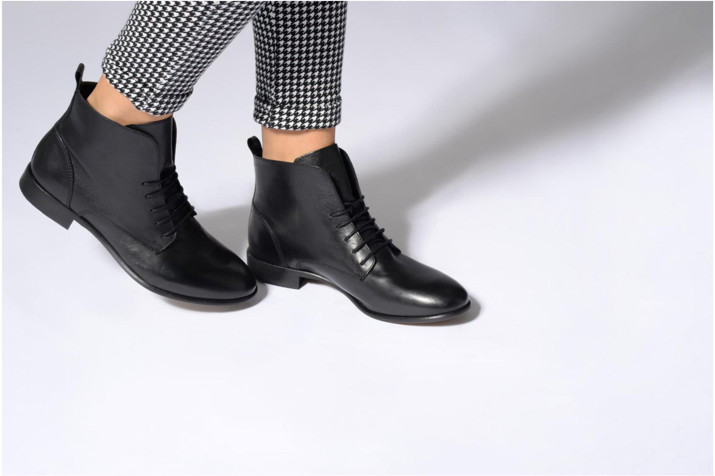 Bottines et boots Georgia Rose Alyson Noir vue bas / vue portée sac