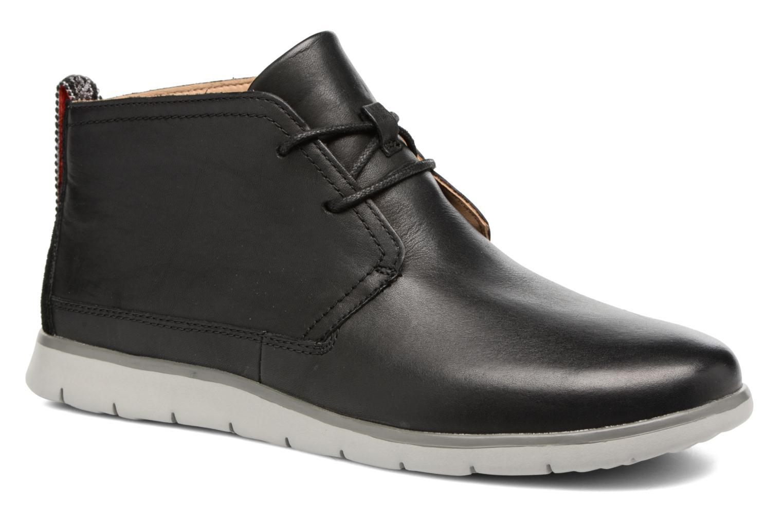 Chaussures à lacets UGG Freamon WP Noir vue détail/paire