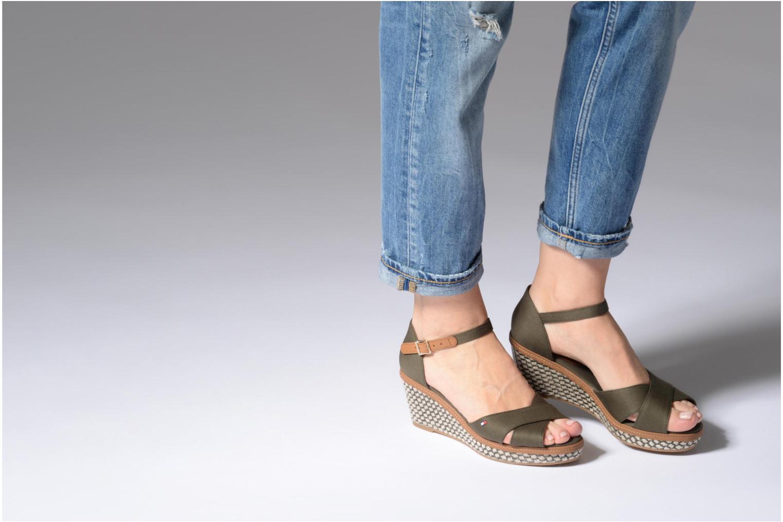 Sandales et nu-pieds Tommy Hilfiger ICONIC ELBA SANDAL BASIC Vert vue bas / vue portée sac