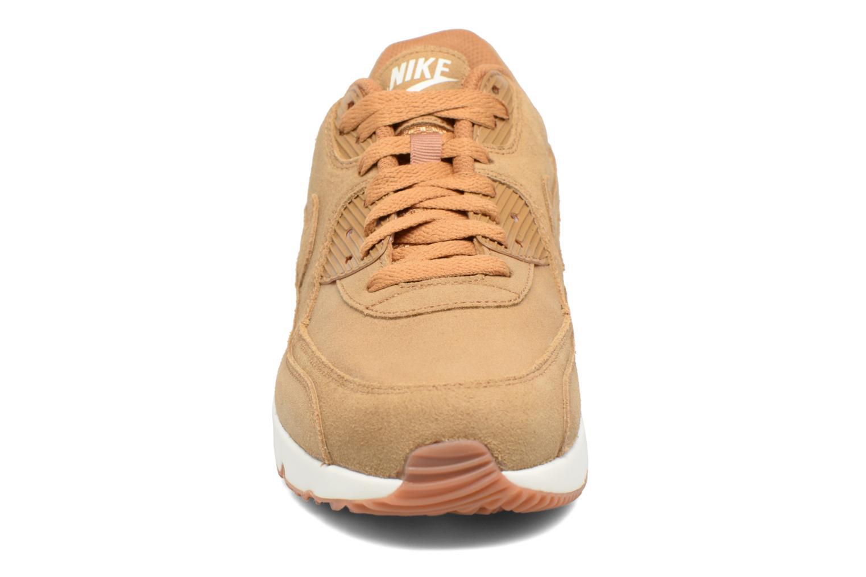 Baskets Nike Air Max 90 Ultra 2.0 Ltr Beige vue portées chaussures