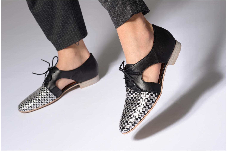 Chaussures à lacets Karston Jocane Noir vue bas / vue portée sac