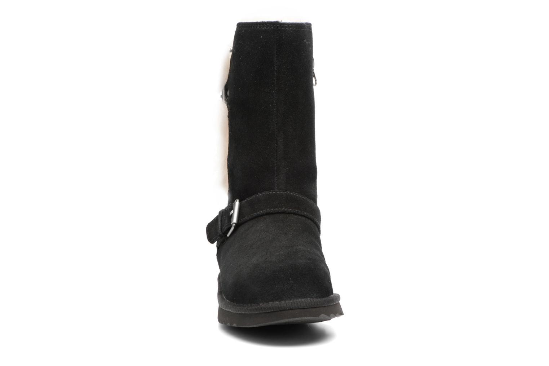 Bottes UGG Magda Noir vue portées chaussures