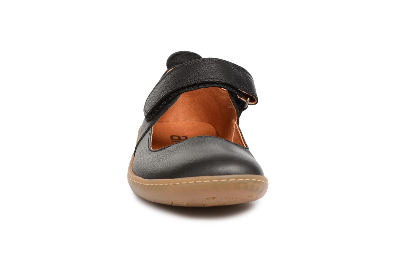 Ballerines Art Kio 1293 Noir vue portées chaussures