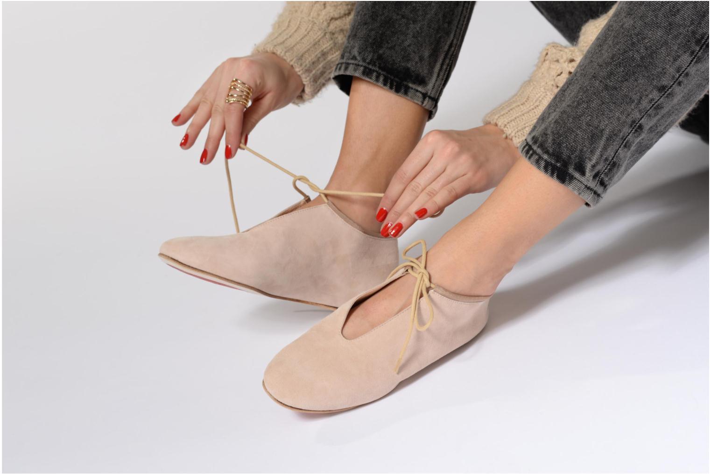 Chaussures à lacets Opéra national de Paris Elysee 1404 Beige vue bas / vue portée sac