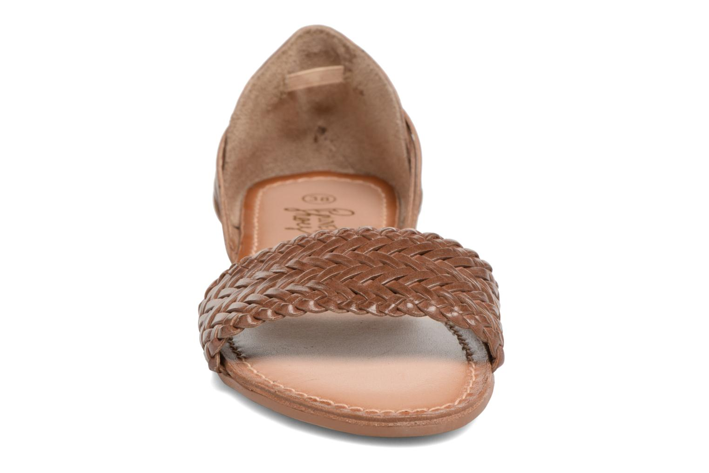Sandalen I Love Shoes Kerina Leather braun schuhe getragen
