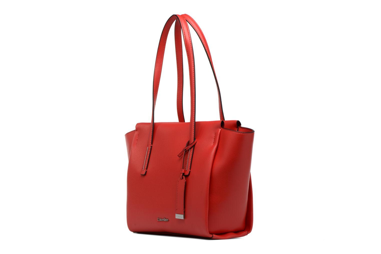 Handtaschen Calvin Klein Frame Medium Shopper rot schuhe getragen