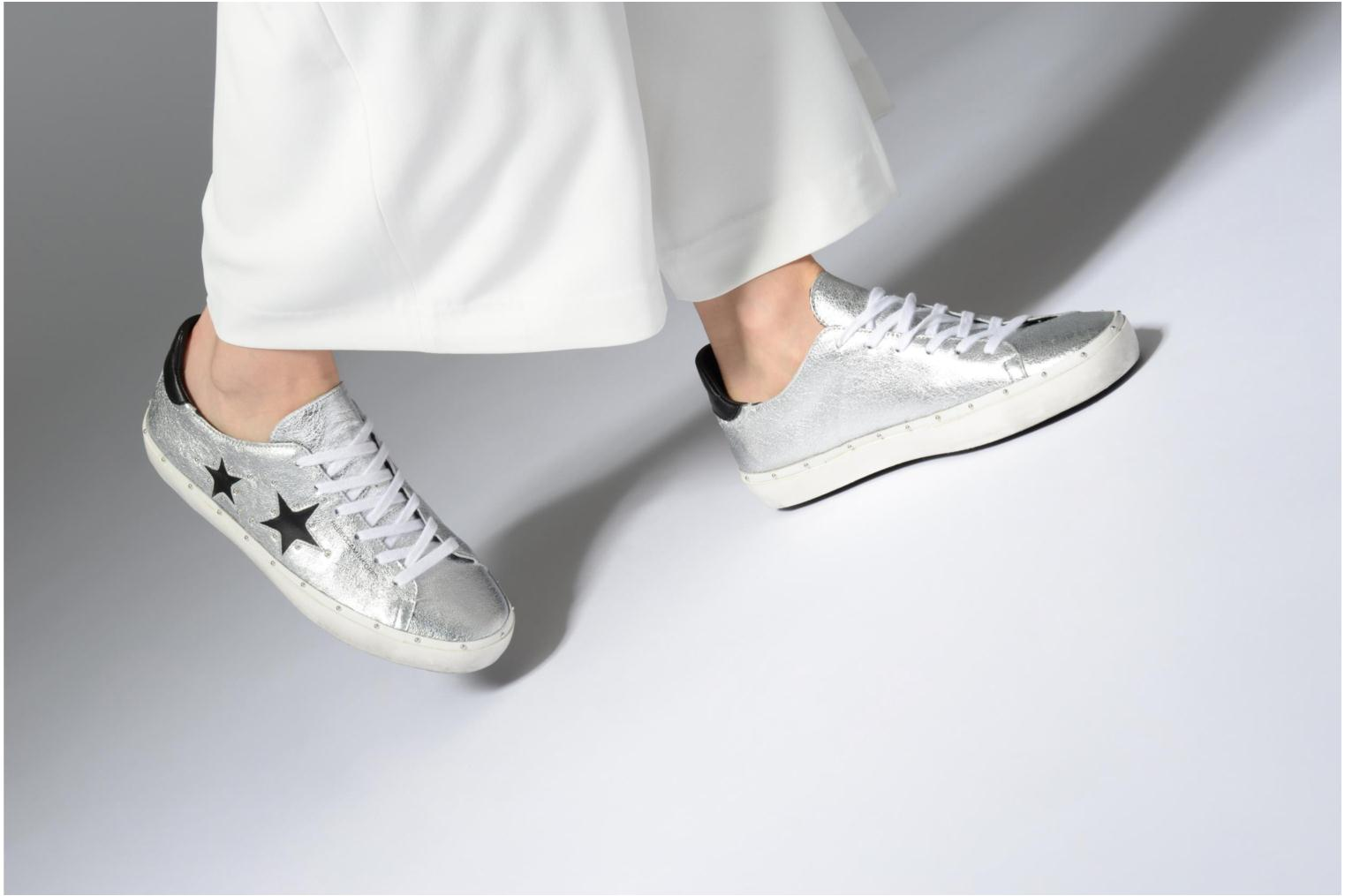 Trainers Rebecca Minkoff Michell Silver view from underneath / model view