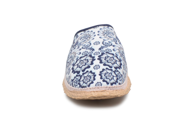 Chaussons Giesswein Palt Blanc vue portées chaussures