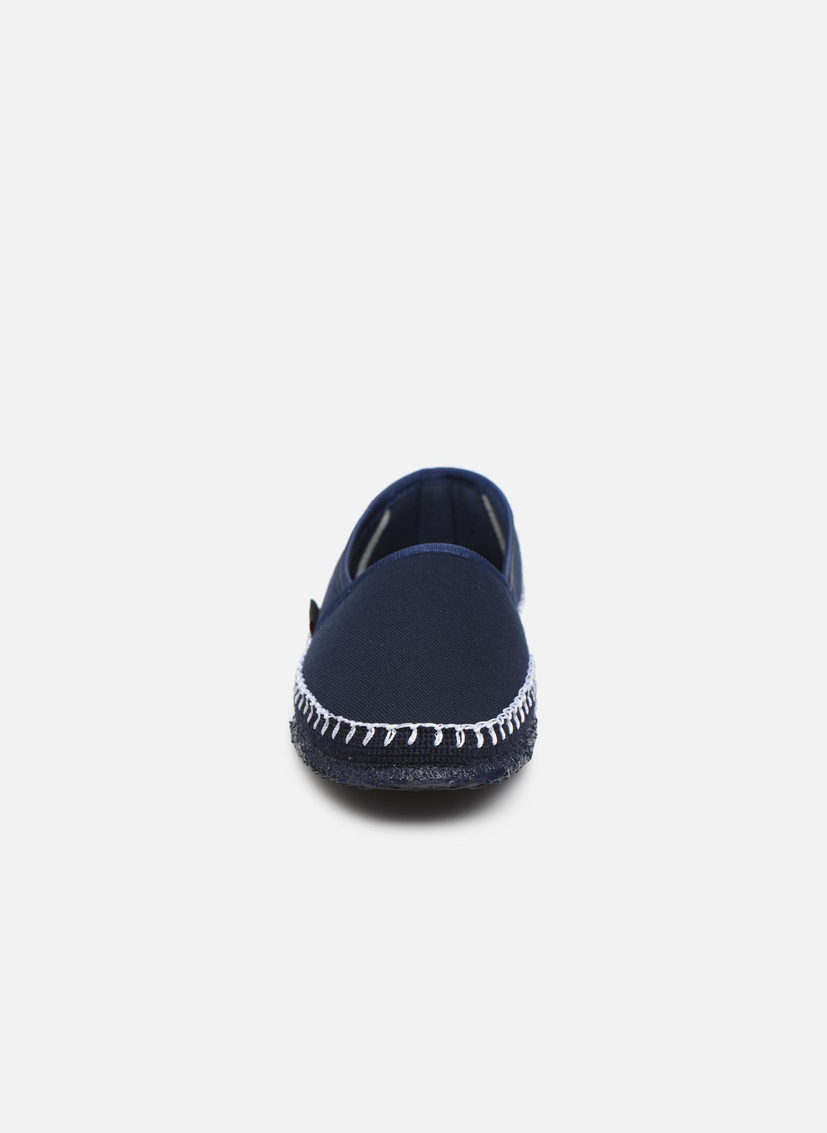 Chaussons Giesswein Paldau Bleu vue portées chaussures