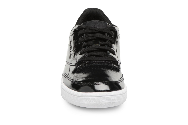 Baskets Reebok Club C 85 Patent Noir vue portées chaussures