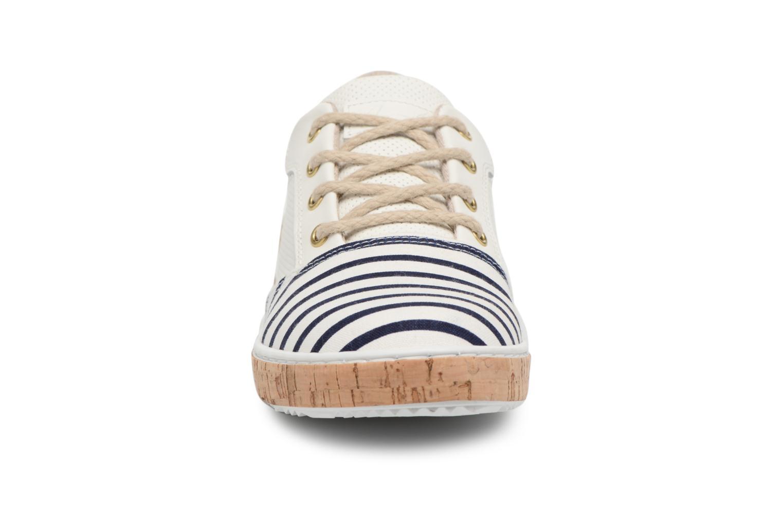 Baskets Bullboxer PAULA Blanc vue portées chaussures