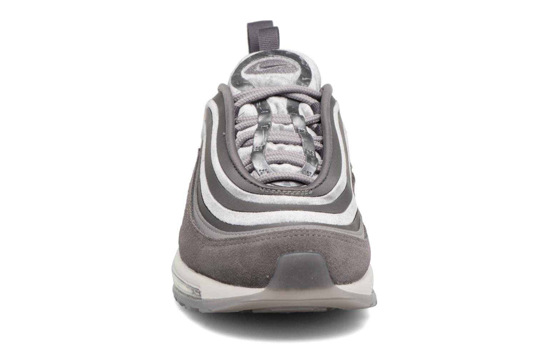 Baskets Nike W Air Max 97 Ul '17 Lx Gris vue portées chaussures