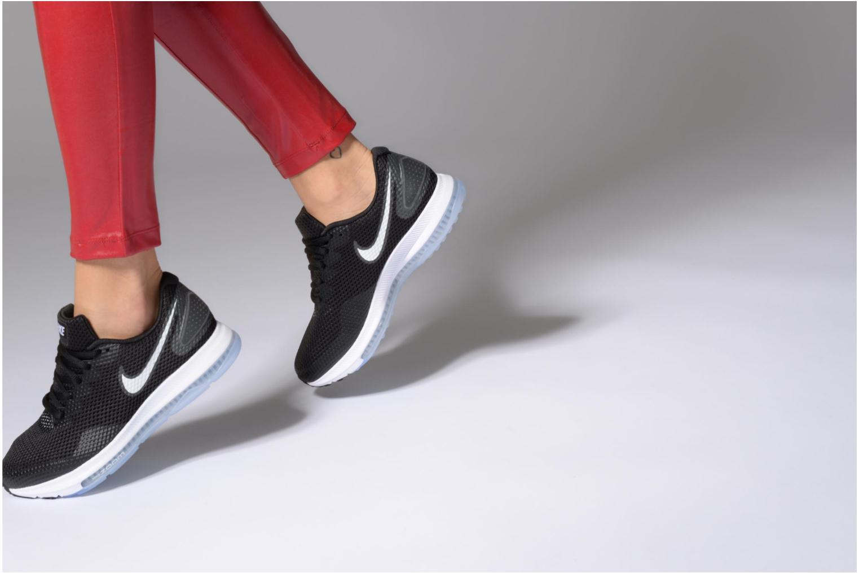 Chaussures de sport Nike W Nike Zoom All Out Low 2 Noir vue bas / vue portée sac