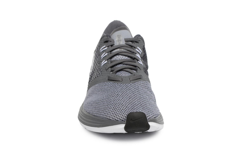 Sportschuhe Nike Nike Zoom Strike grau schuhe getragen