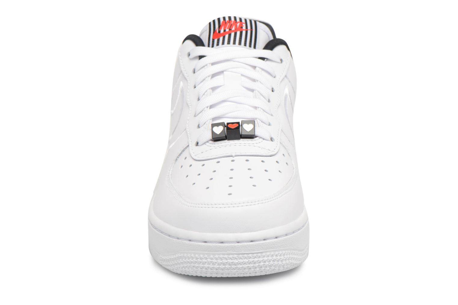 Sneakers Nike W Air Force 1 '07 Se Lx Wit model