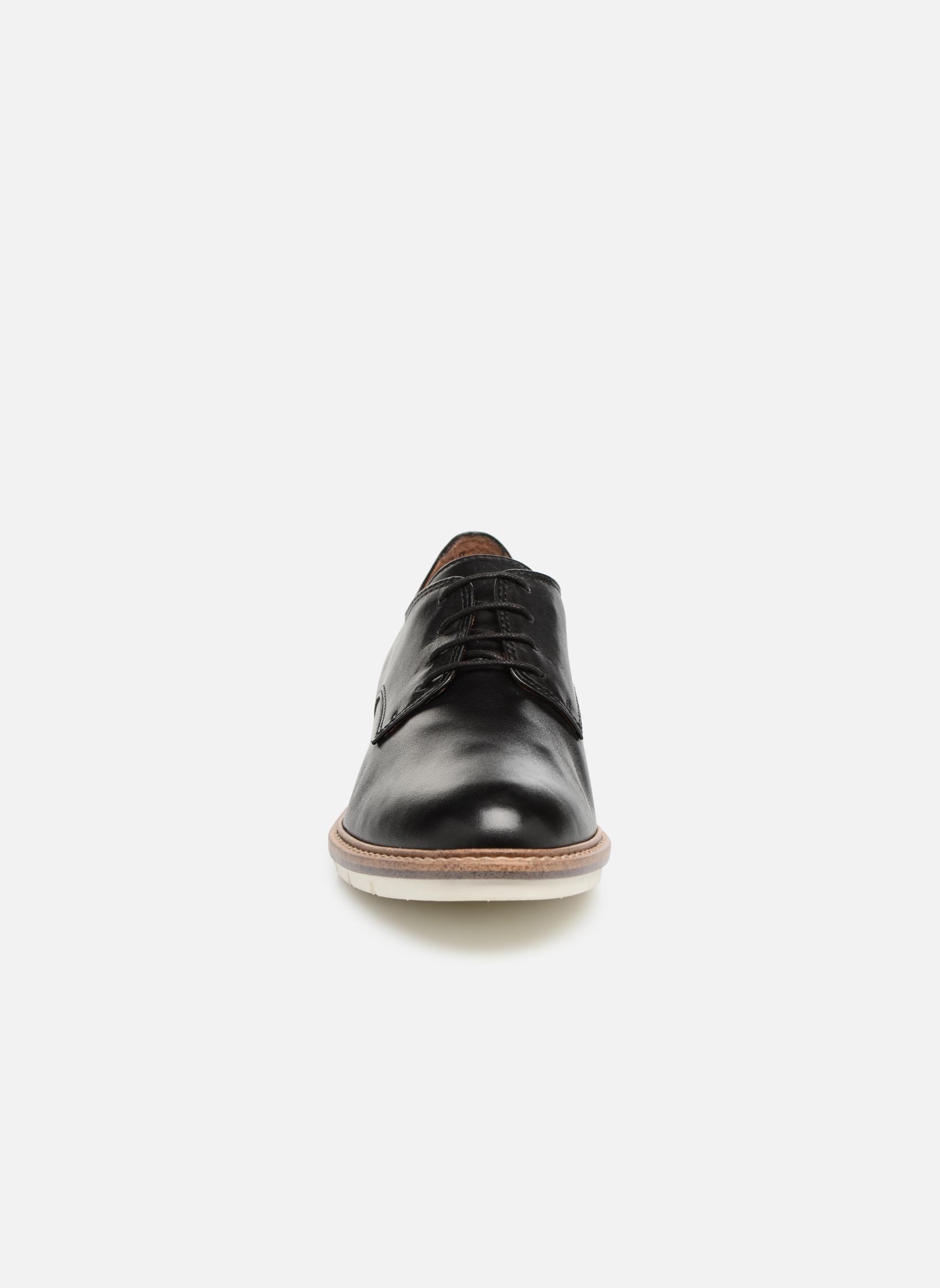 Absinthe Black leather