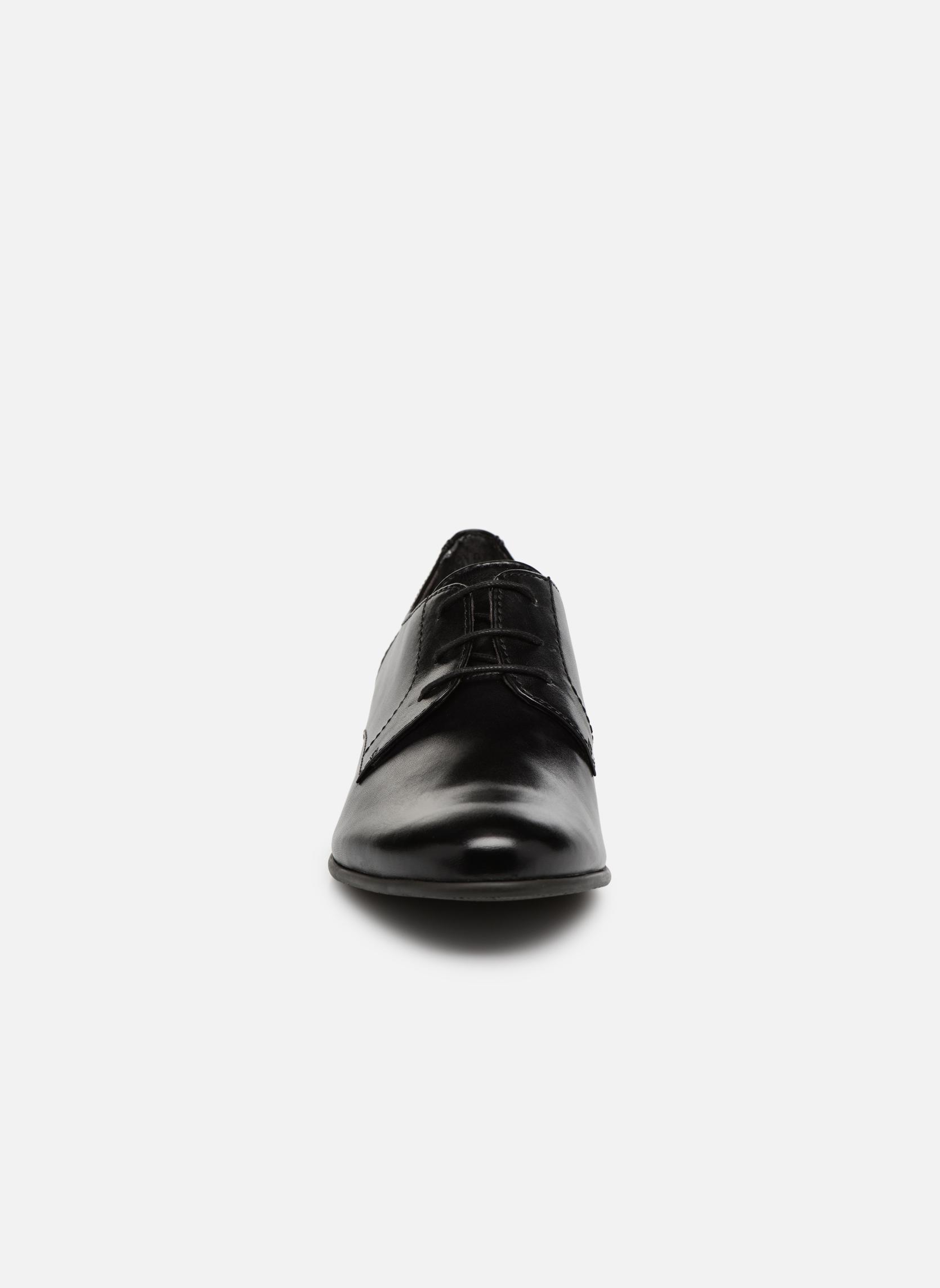 Chaussures à lacets Tamaris Coriandre Noir vue portées chaussures