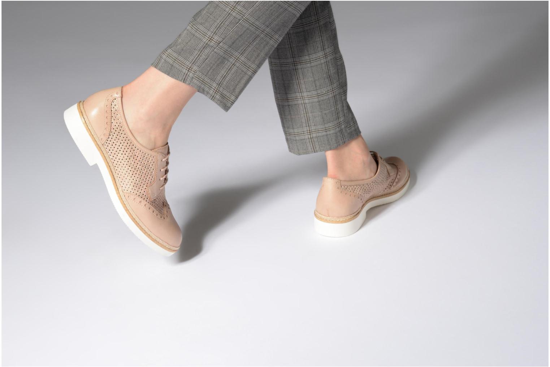 Chaussures à lacets Tamaris Girofle Beige vue bas / vue portée sac