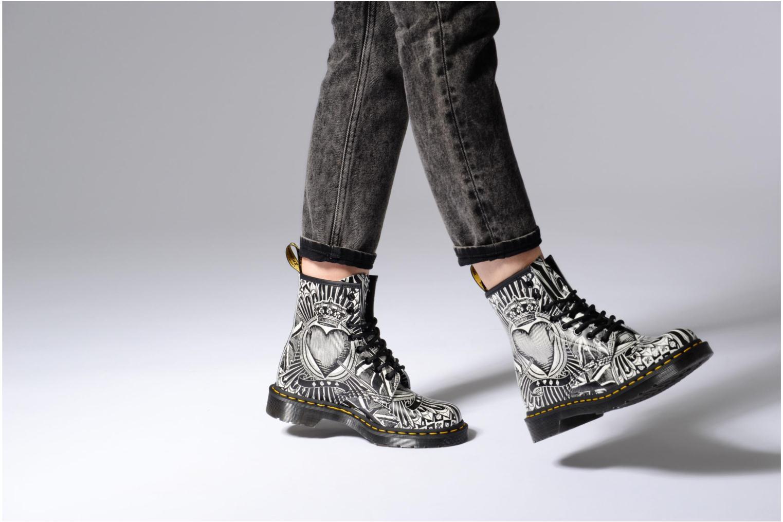 Bottines et boots Dr. Martens 1460 EPCB Noir vue bas / vue portée sac