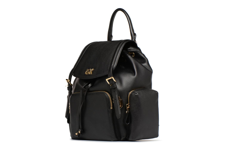 Mochilas Michael Michael Kors Beacon MD Backpack Negro vista del modelo