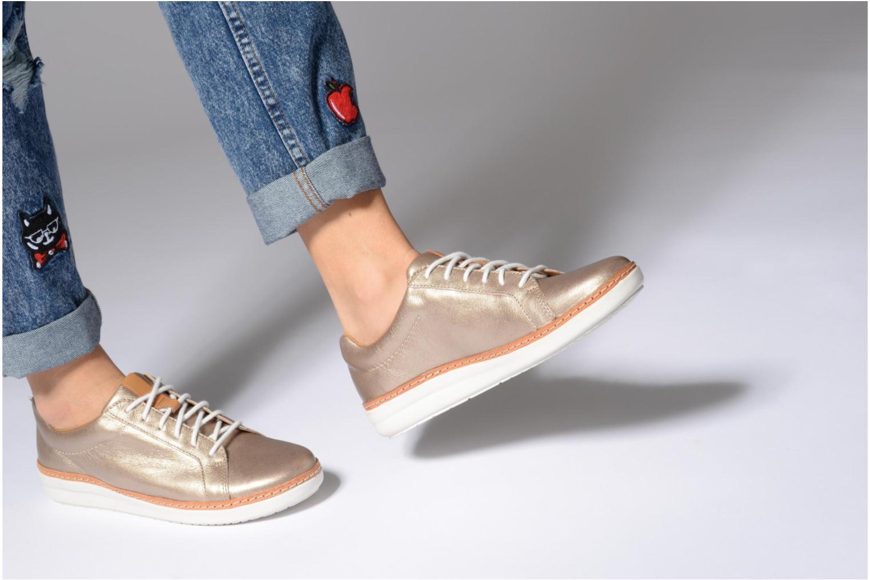 Chaussures à lacets Clarks Amberlee Rosa Beige vue bas / vue portée sac