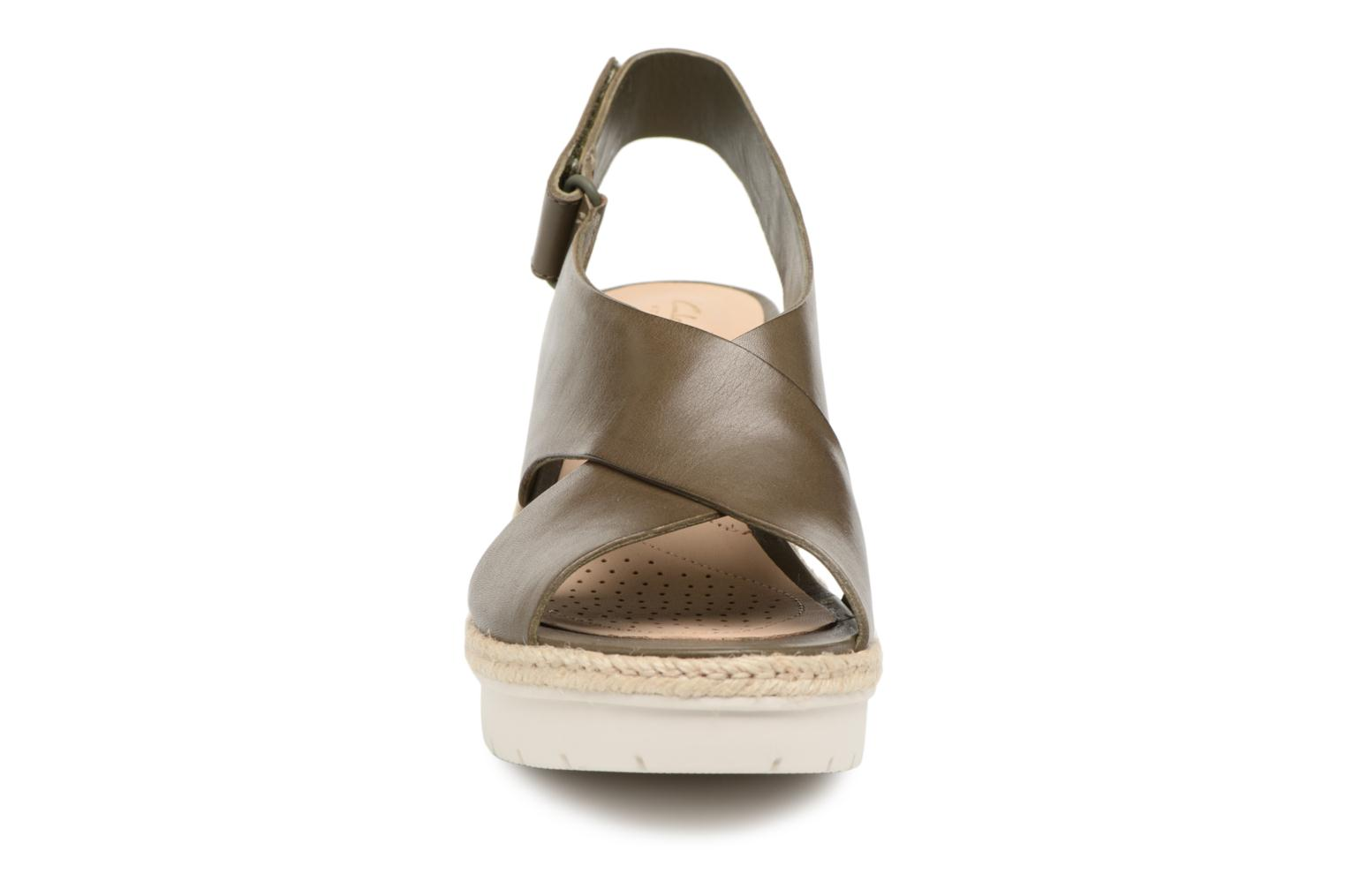 Sandals Clarks Palm Glow Green model view