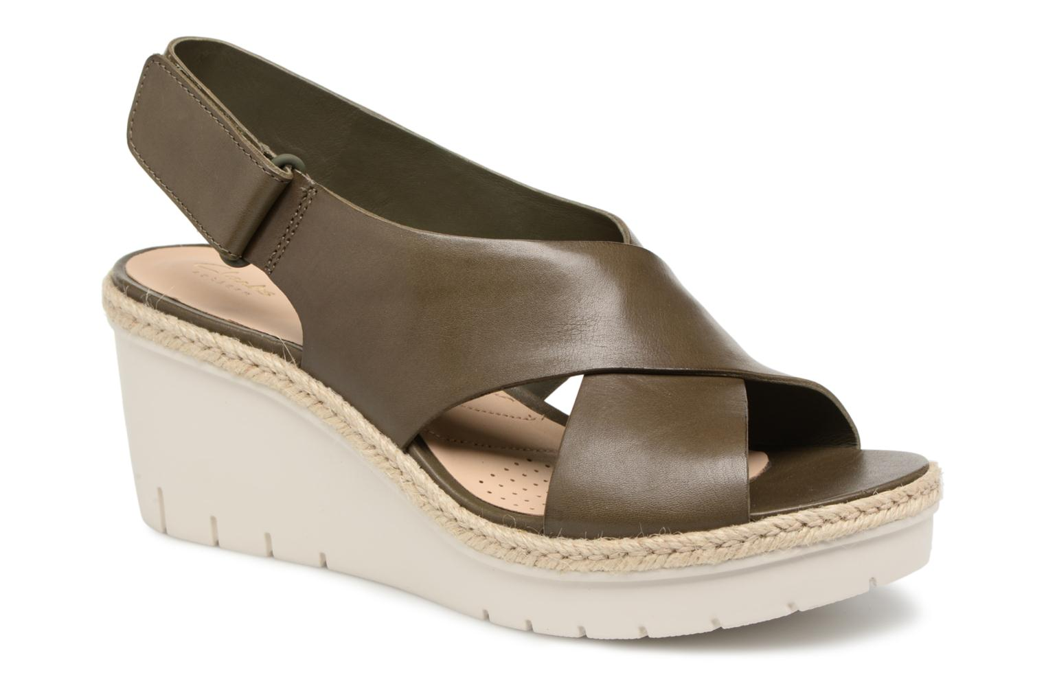 Sandals Clarks Palm Glow Green detailed view/ Pair view
