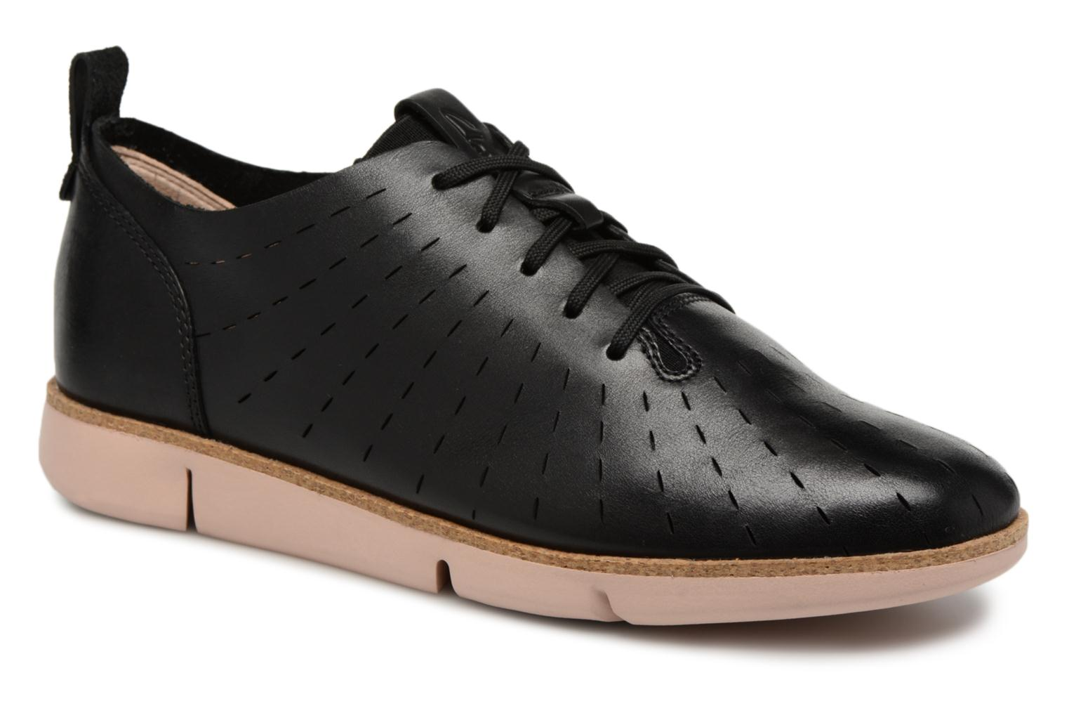 Lace-up shoes Clarks Tri Etch Black detailed view/ Pair view