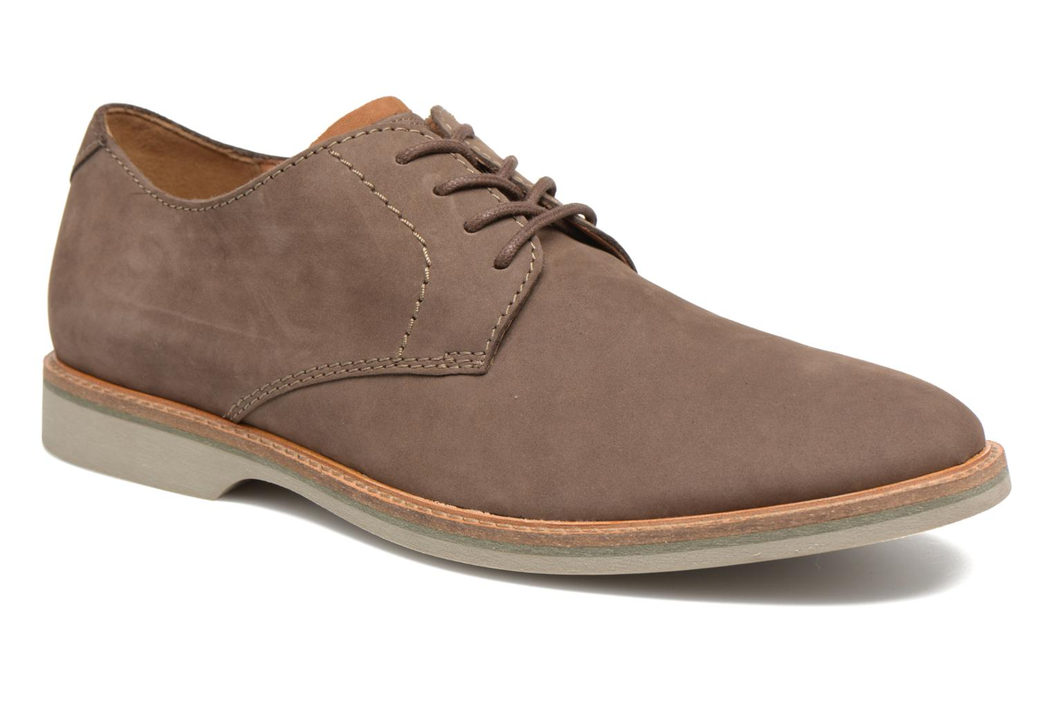 Marques Chaussure homme Clarks homme Atticus Lace Taupe Nubuck