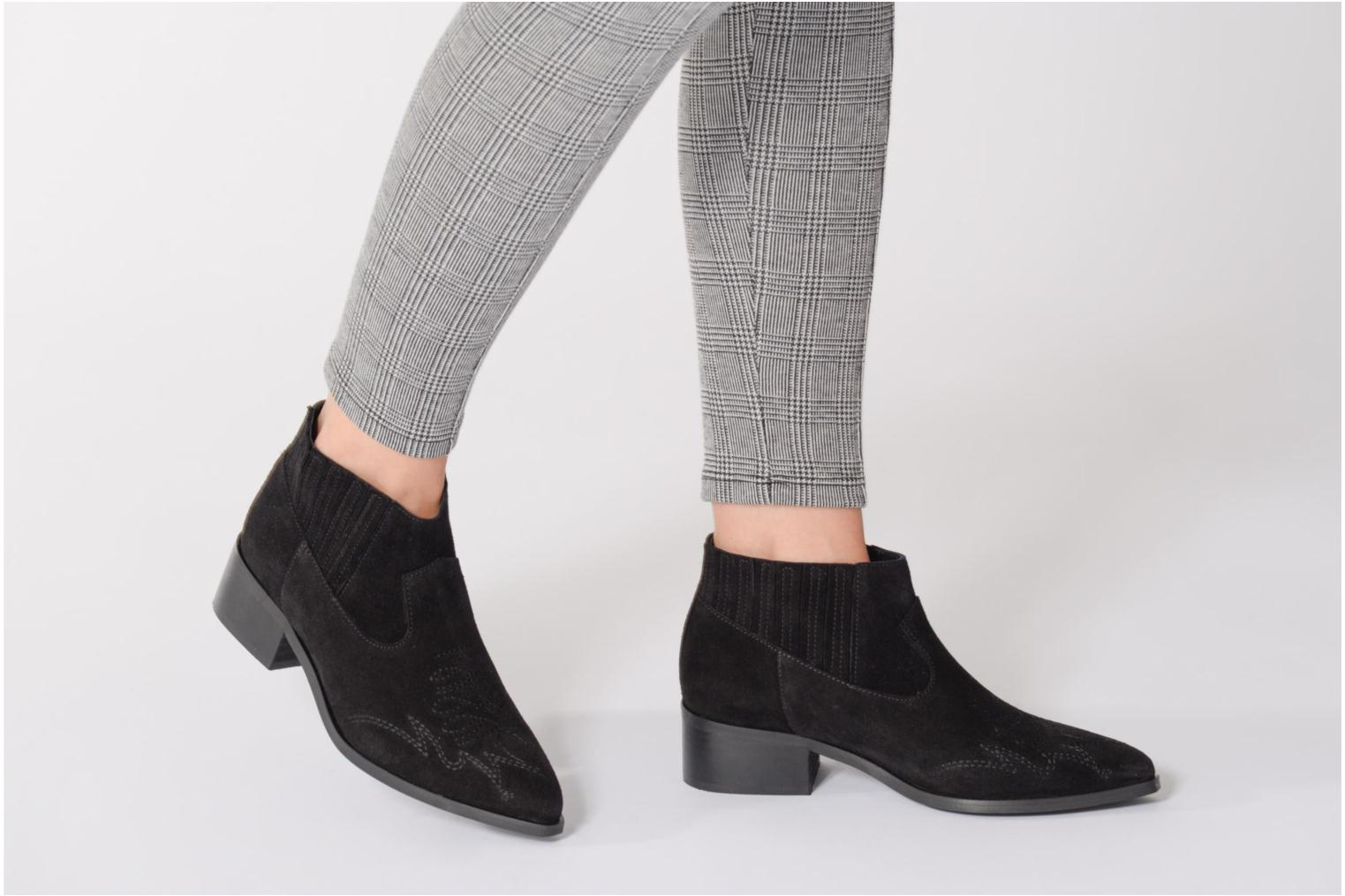 Ankle boots Vero Moda TOBIA LEATHER BOOT Brown view from underneath / model view