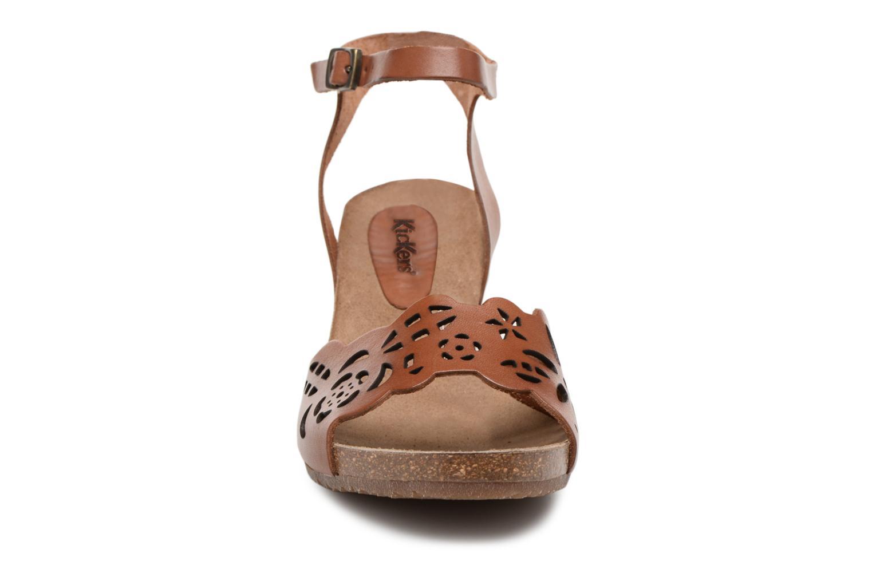 Sandales et nu-pieds Kickers Simply Marron vue portées chaussures