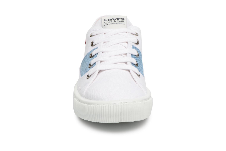 Baskets Levi's Malibu Lady Patch Blanc vue portées chaussures