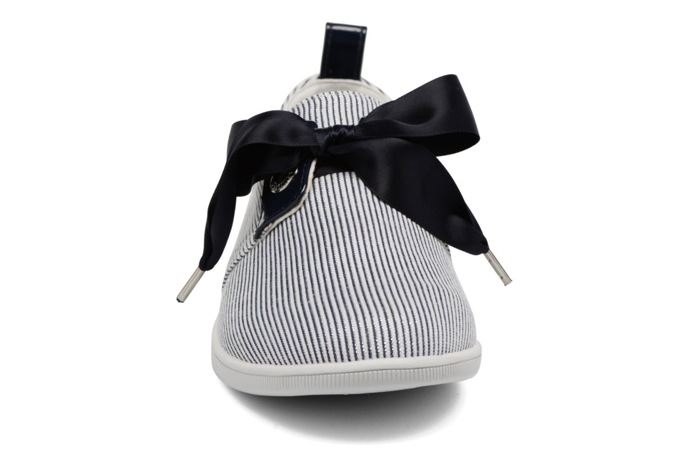Baskets Armistice Stone One Marina W Bleu vue portées chaussures