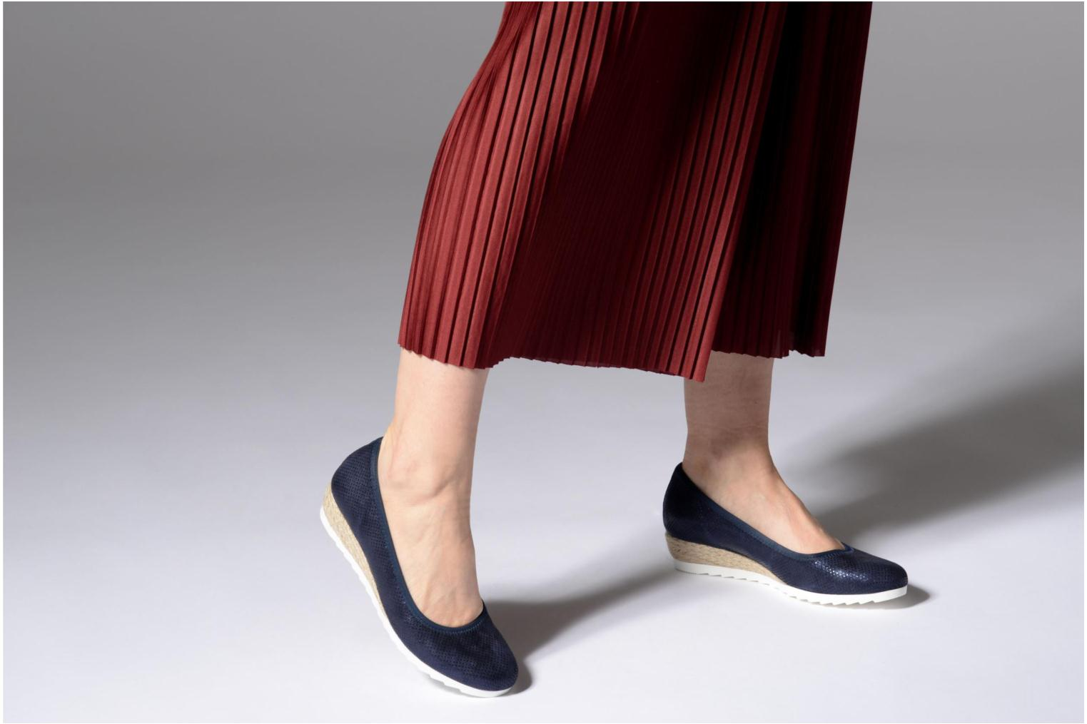 Ballet pumps Gabor Novara Blue view from underneath / model view