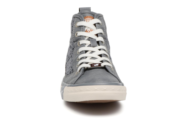 Baskets Mustang shoes Nola 1146507 Bleu vue portées chaussures