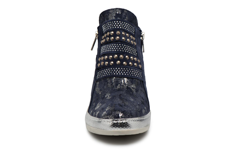 Baskets Khrio Nucica saio prussia Bleu vue portées chaussures