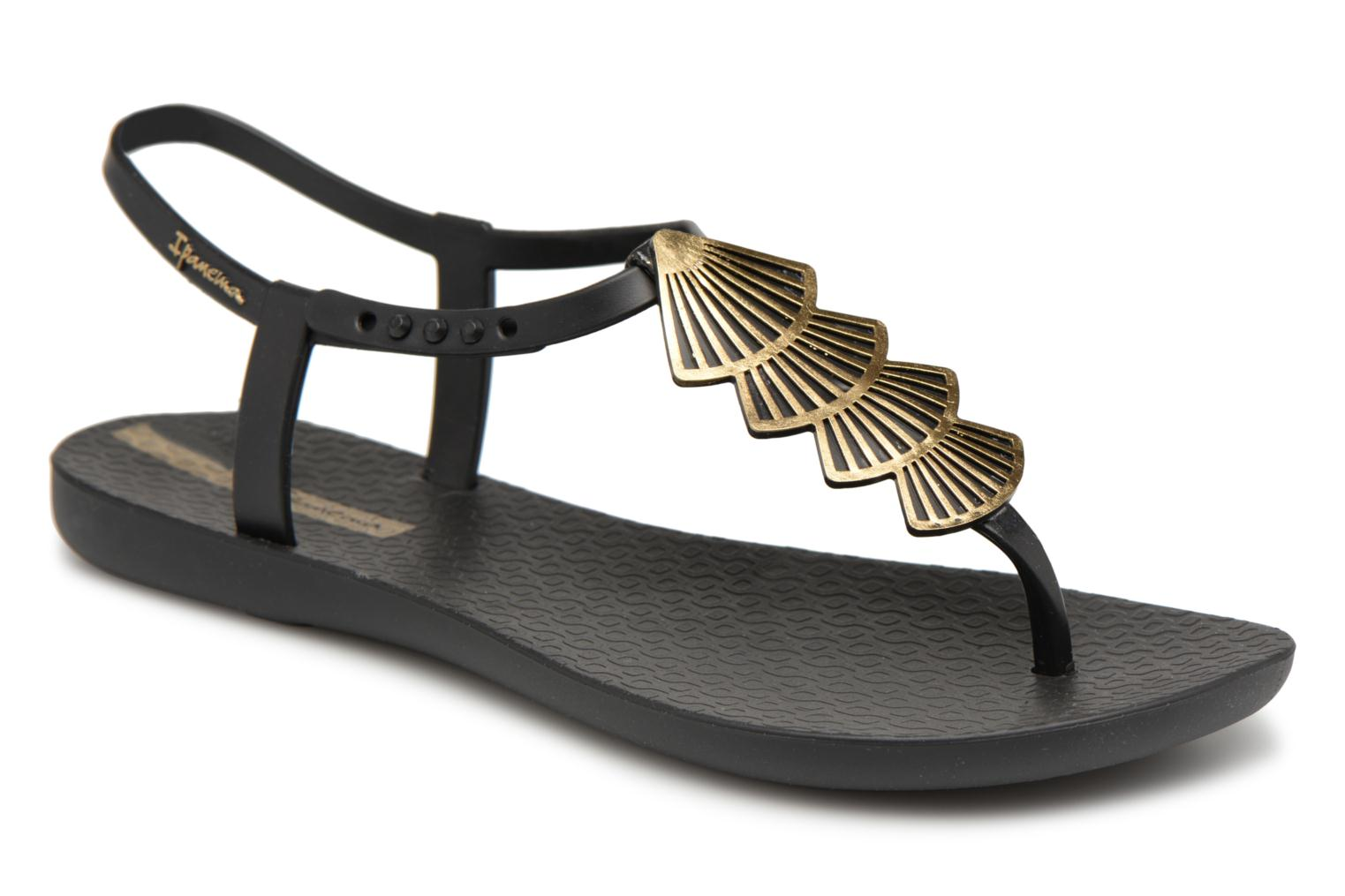 Sandals Ipanema Class Glam II Black detailed view Pair view