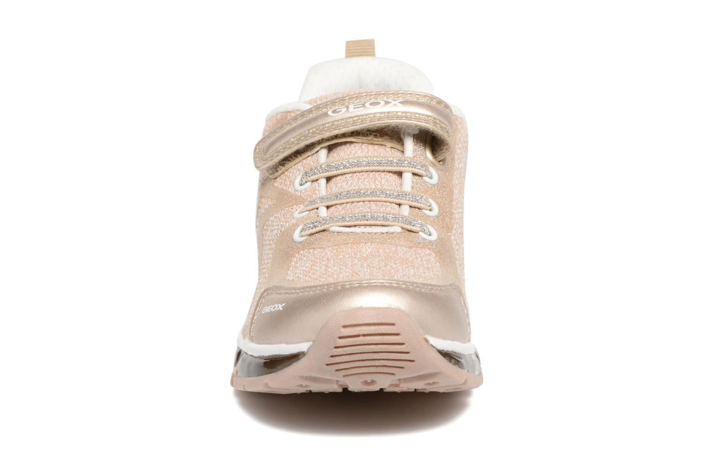 Sneakers Geox J Android G. B J8245B Rosa modello indossato