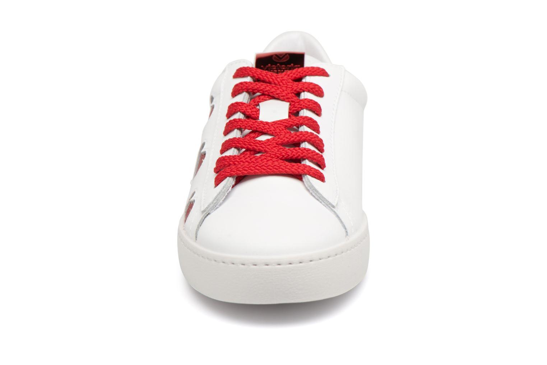 Baskets Victoria Deportivo Laser Corazones Blanc vue portées chaussures