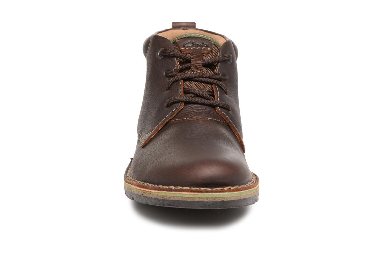Bottines et boots Clarks Edgewick Mid Marron vue portées chaussures