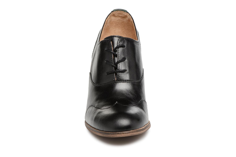 Chaussures à lacets Kickers DATING Noir vue portées chaussures