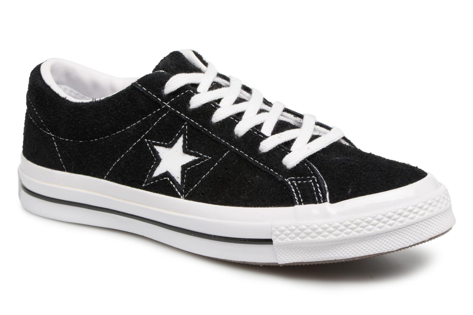 Baskets Converse One Star OG Suede Ox W Noir vue détail/paire