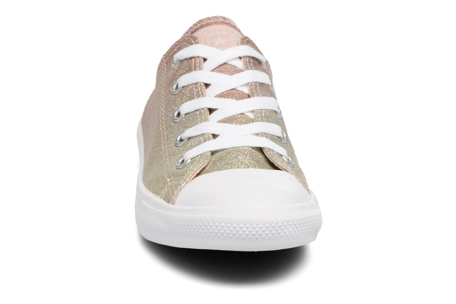 Baskets Converse Chuck Taylor All Star Dainty Ombre Metallic Ox Gris vue portées chaussures