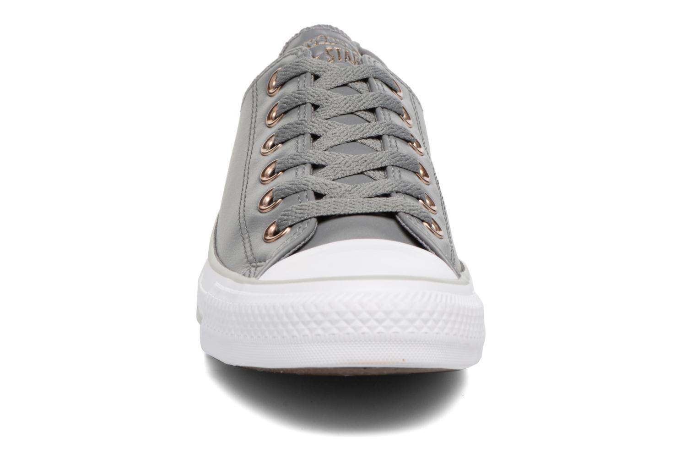Baskets Converse Chuck Taylor All Star Craft SL Ox Gris vue portées chaussures