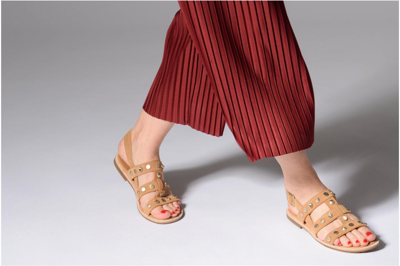 Sandales et nu-pieds UGG Zariah Studded Bling Marron vue bas / vue portée sac