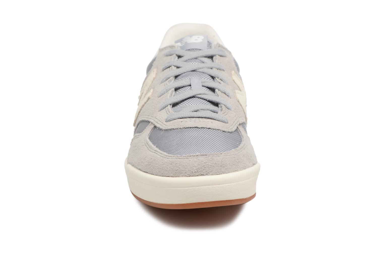 Sneaker New Balance CRT300 D grau schuhe getragen